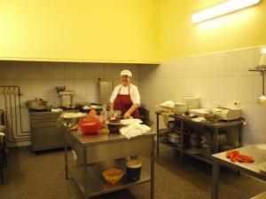 La jefa de cocina de La Playita, Candelaria Pérez