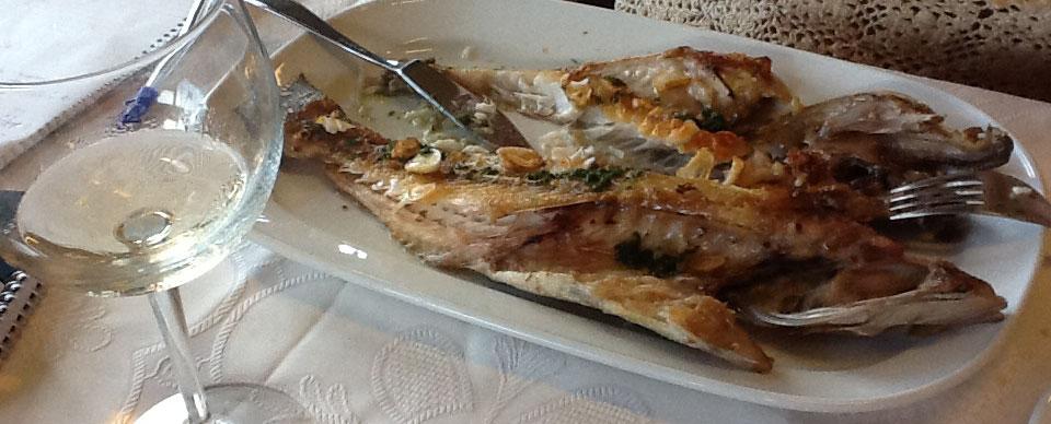 ¿Cómo se prepara un pescado a la espalda?